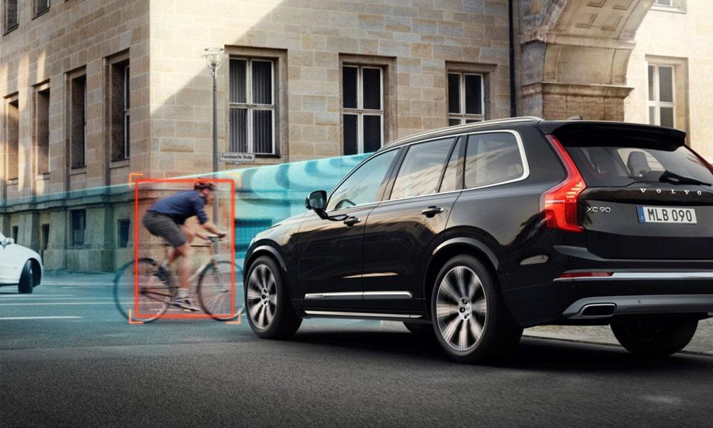 Volvo - Pierwsze testy zderzeniowe aut i rowerów badające wytrzymałość kasków