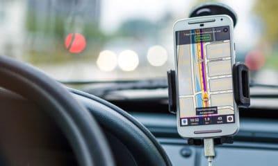 Nawigacja samochodowa na smartfonie