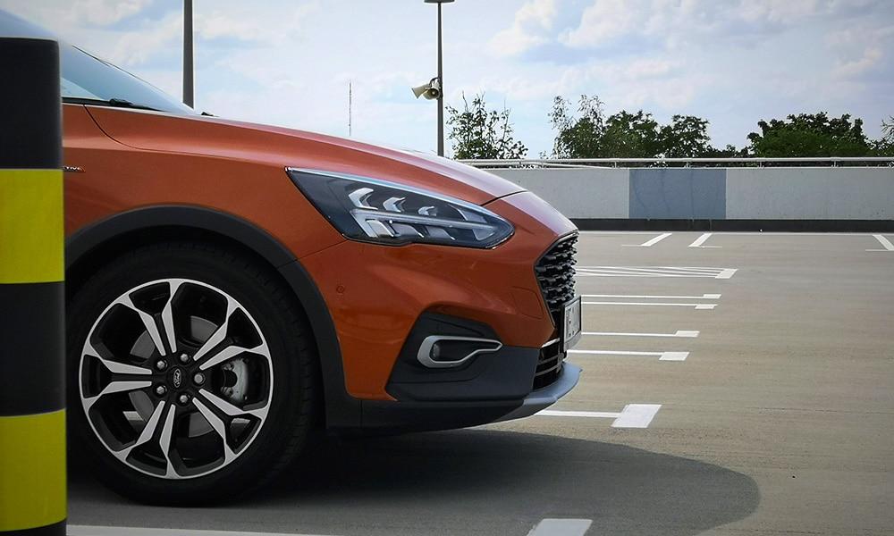 Ford Focus Active Kombi 2019 diesel profil boczny