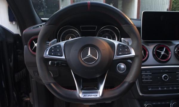 Mercedes CLA 45 AMG - kierownica