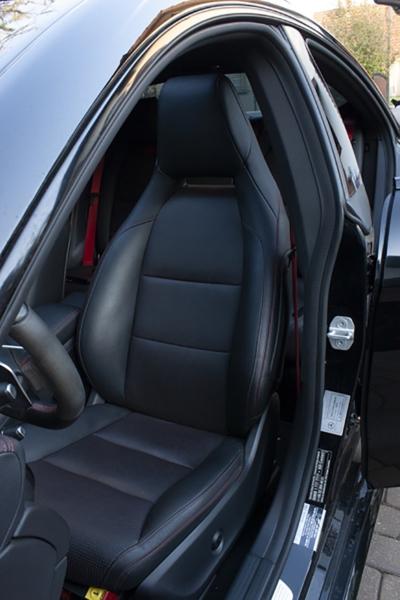 Mercedes CLA 45 AMG - fotel kierowcy