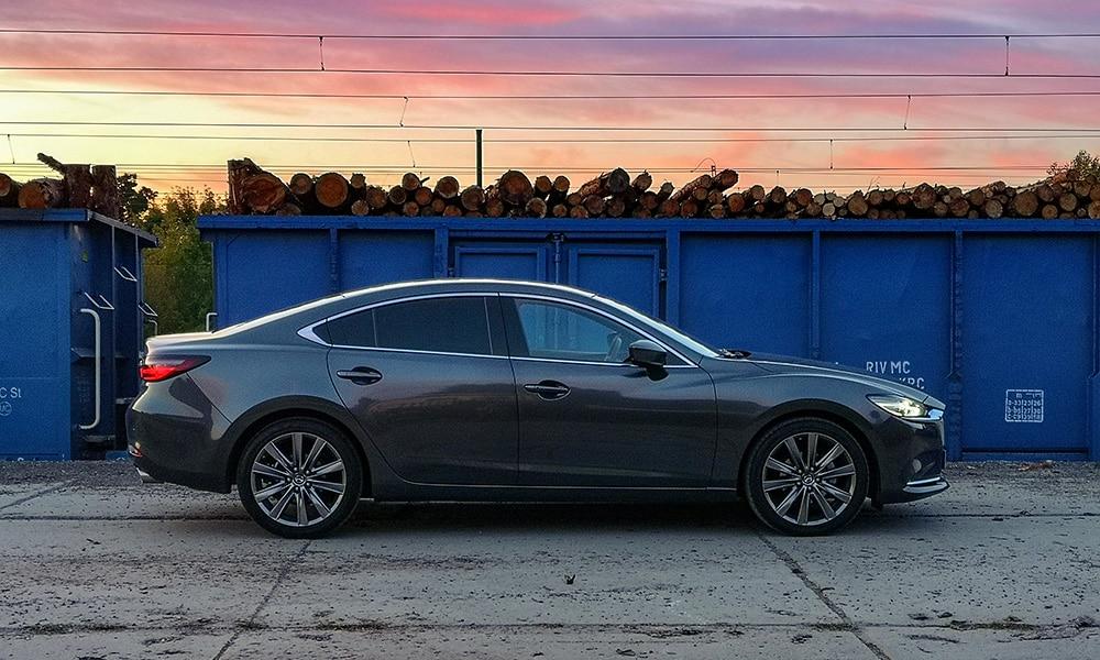 Mazda 6 bok