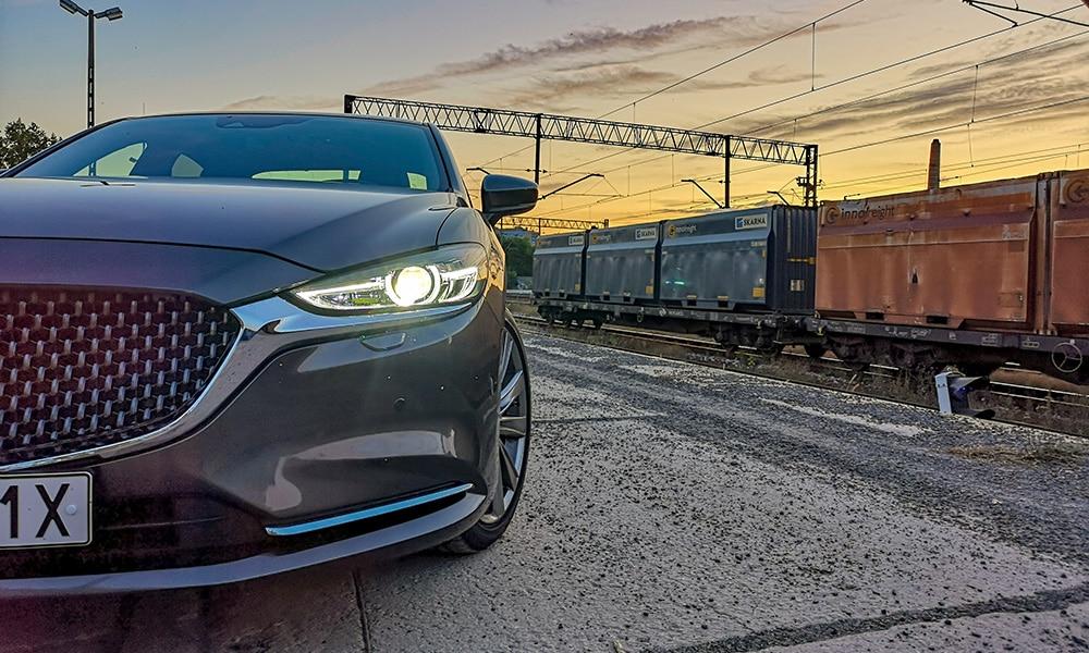 Mazda 6 przód profil 2