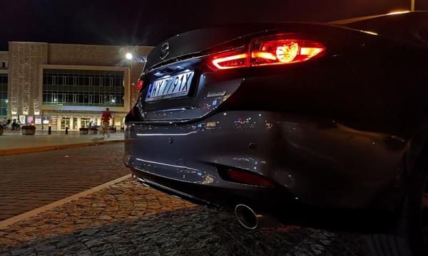 Mazda 6 tył bok