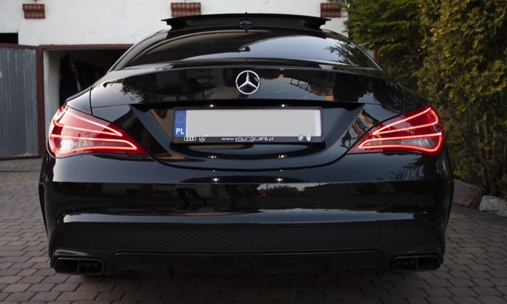 Mercedes CLA 45 AMG - tylny pas