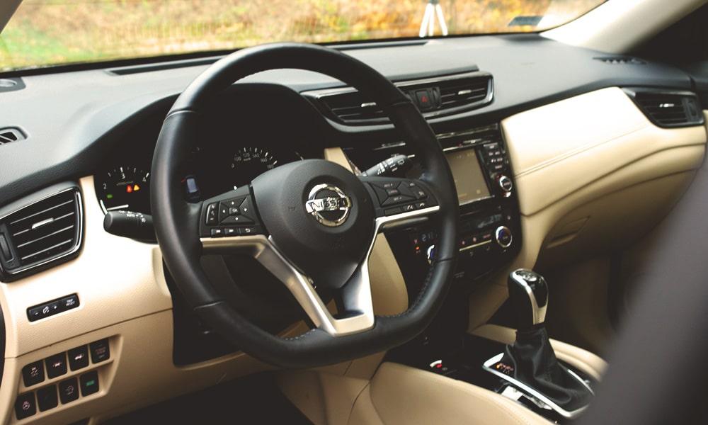 Nissan X-Trail wnętrze