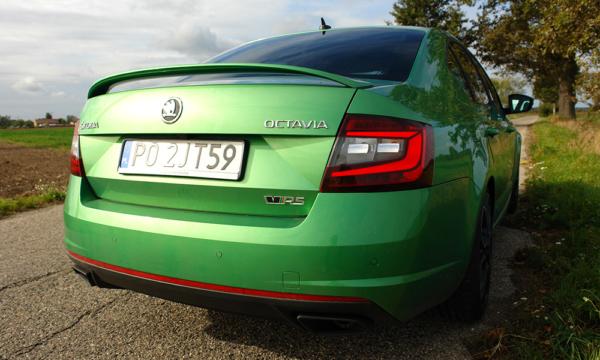 Škoda Octavia RS 2019 tył 3
