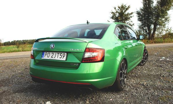 Škoda Octavia RS Challenge 2019 z tyłu