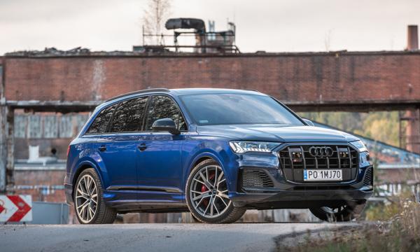 Audi Q7 przód 1