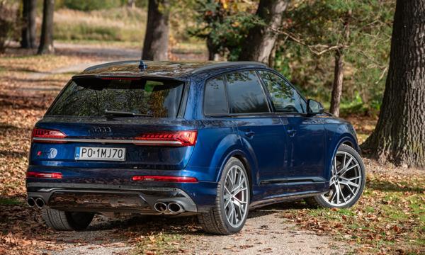 Audi Q7 tył