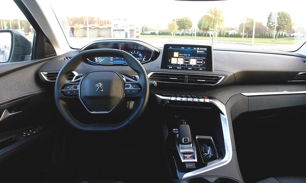 Peugeot 3008 wnętrze 1