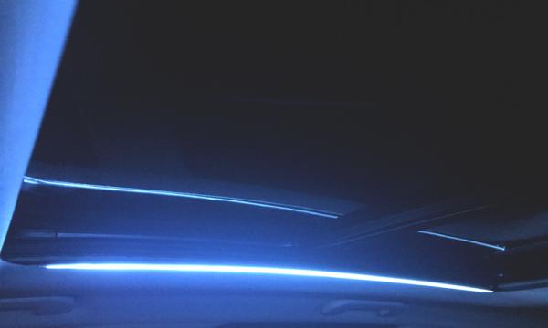 Peugeot 3008 wnętrze noc 2