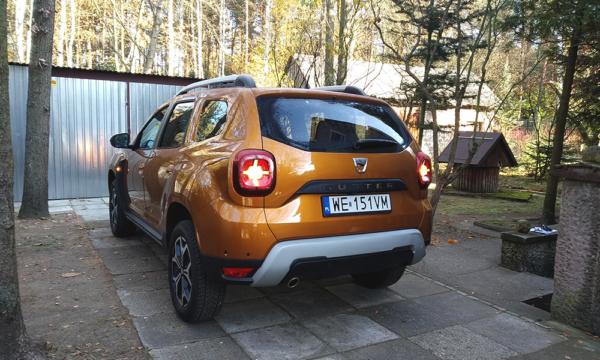 Dacia Duster tył 2