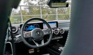 Mercedes CLA 220 wnętrze 1