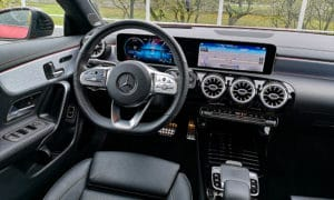 Mercedes CLA 220 wnętrze 2