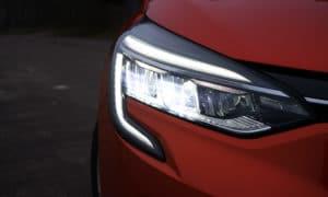 Renault Clio V przedni reflektor