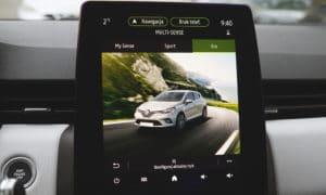 Renault Clio V wnętrze multimedia 3
