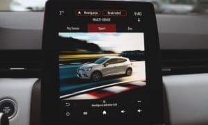 Renault Clio V wnętrze multimedia 4