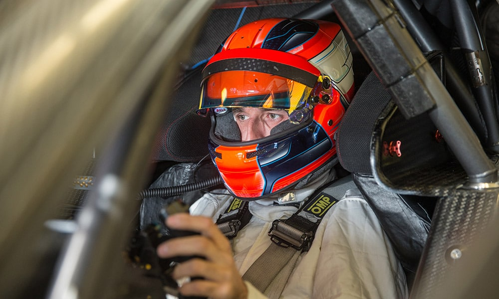 Robert Kubica DTM 2019 BMW M4 kokpit