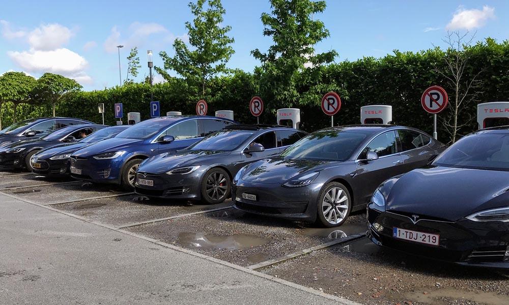 Tesla ładowanie