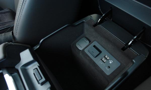 Mazda 6 Kombi SkyDREAM USB schowek