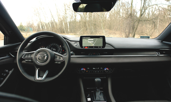 Mazda 6 Kombi SkyDREAM wnętrze 1