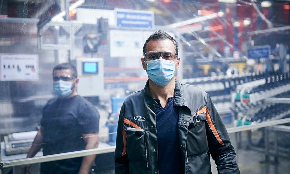 Ford wznawia produkcje środki ochronne 2020