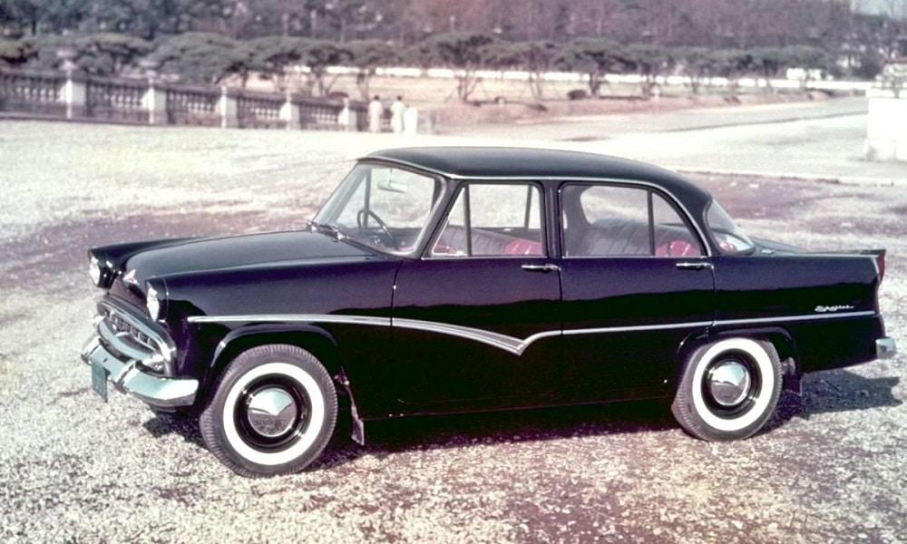 Nissan Skyline jako auto luksusowe, potem nadeszła era sportowca