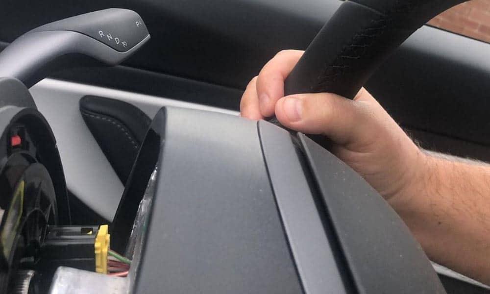 tesla 3 problem z kierownica