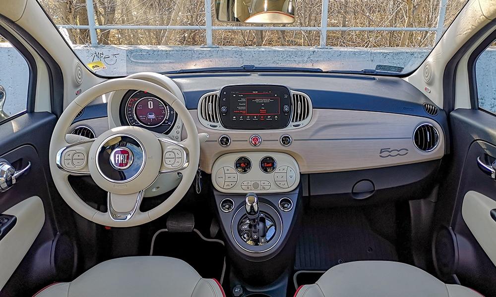 wnętrze Fiat 500C DolceVita