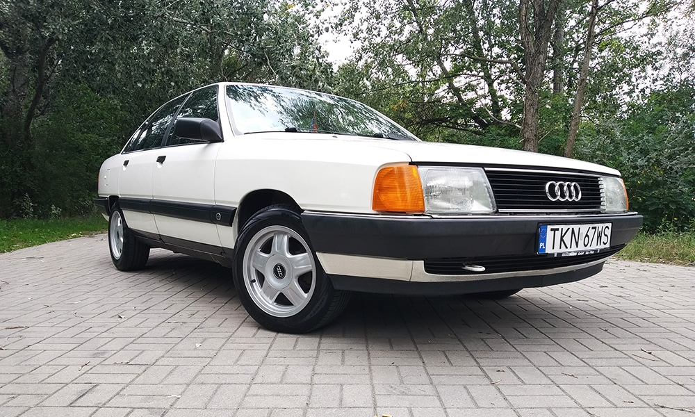 Audi 100 C3 1990 przód 2