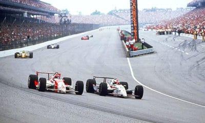 Michael Andretti podczas walki o zwycięstwo z Ricky'm Mearsem, Indy 500 w 1992