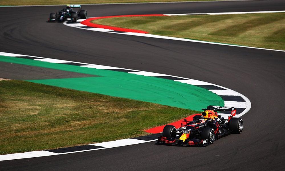 Red Bull przed Mercedesem 2020 GP 70-lecia