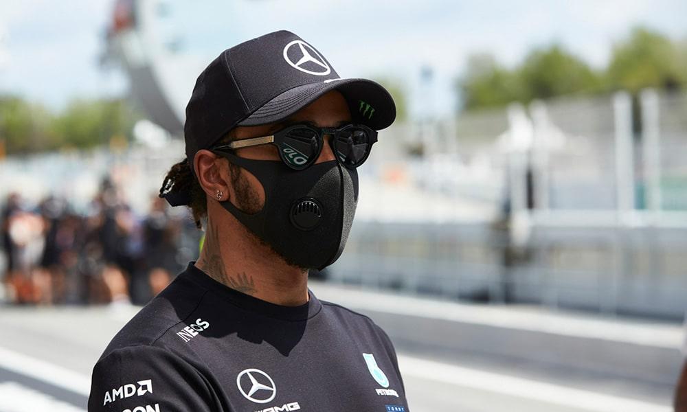 roczny kontrakt Hamiltona przeciwny Mercedes
