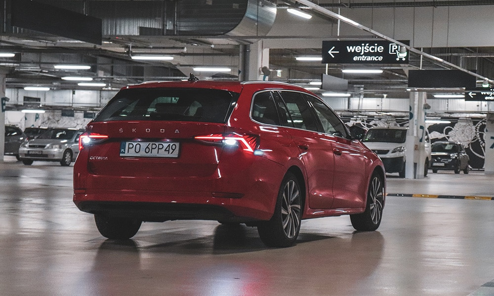 Škoda Octavia IV Combi tył 1