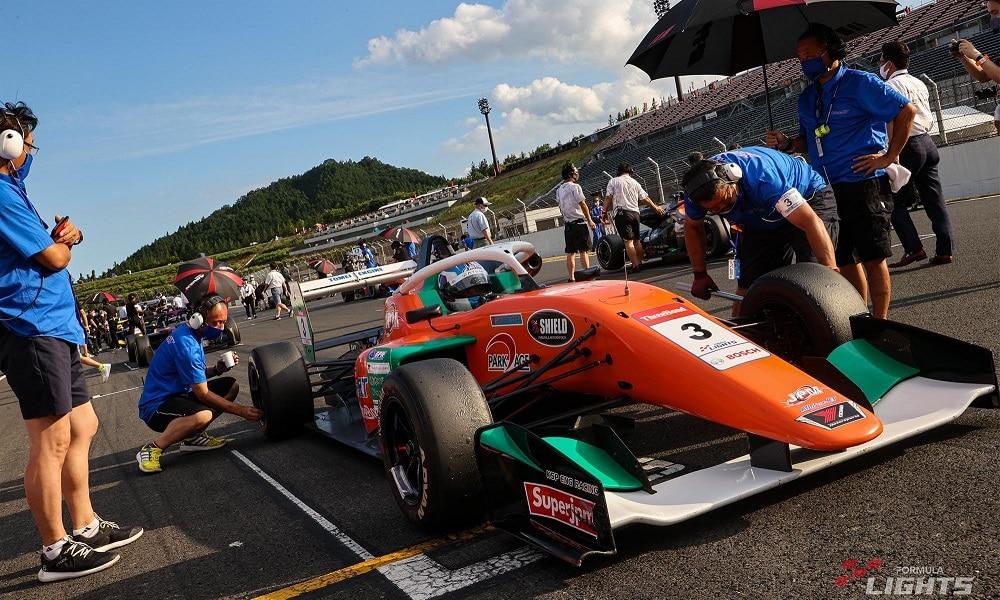 Bolid serii Super Formula Lights