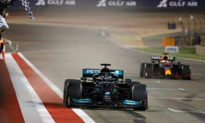 GP bahrajnu 2021 F1 Mercedes Hamilton vs Verstappen