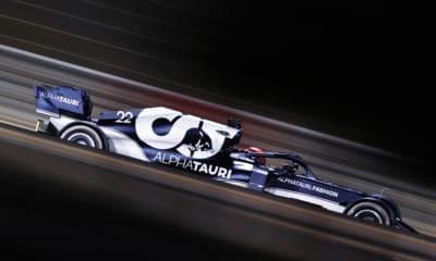 Tsunoda bolid AT02 AlphaTauri GP Bahrajnu 2021