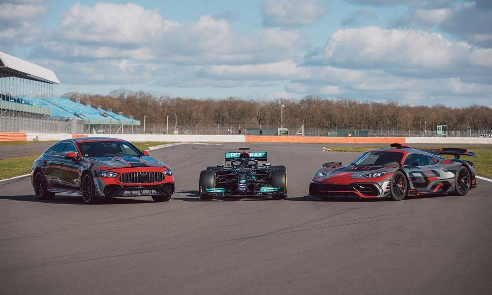 Mercedes-AMG E Performance (Po lewej Mercedes-AMG GT73e 4 Door