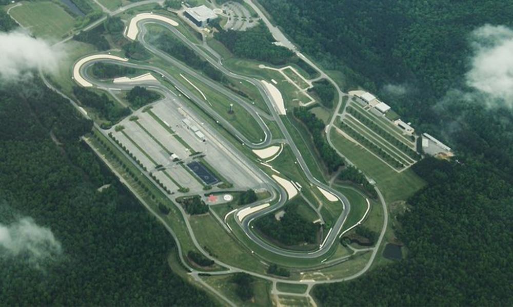 Barber Motorsports Park otoczony jest przez malowniczy park