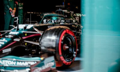 Aston Martin F1 Imola 2021 wyjazd z garażu