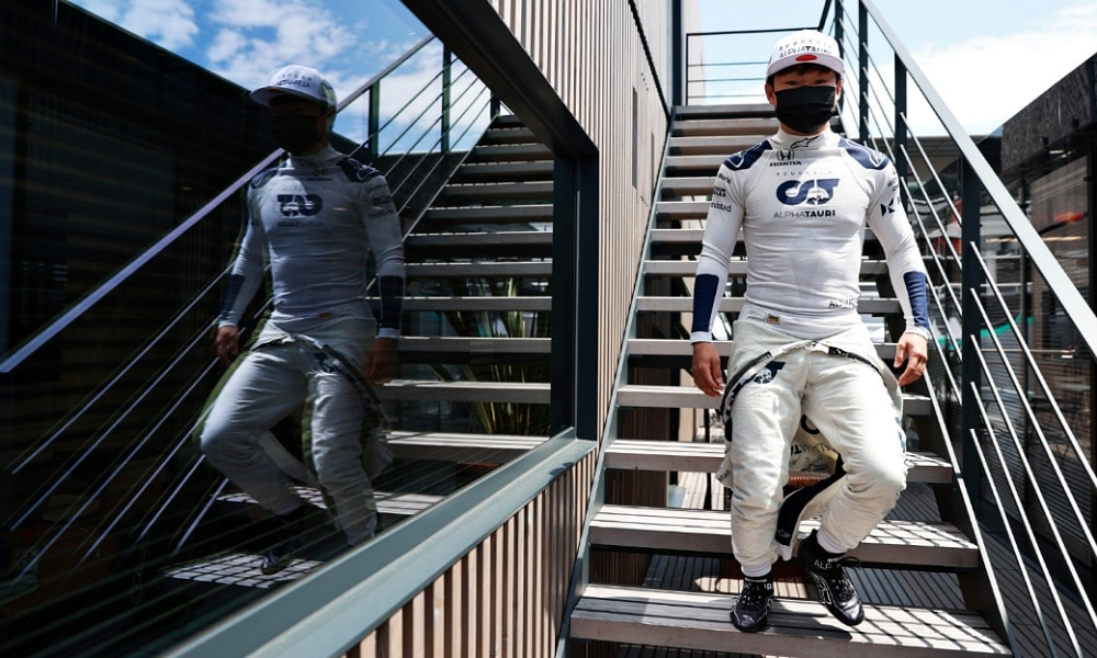 Fatalny występ Yukiego Tsunody w kwalifikacjach przed GP Hiszpanii 2021