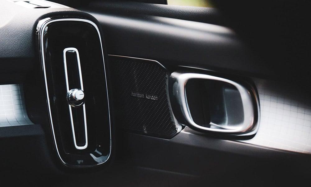 boczki drzwi głośnik klamka Volvo XC40