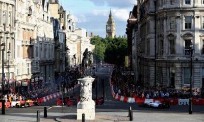 "Max Verstappen i Lance Stroll - demonstracyjne ""GP Londynu"" 2017"