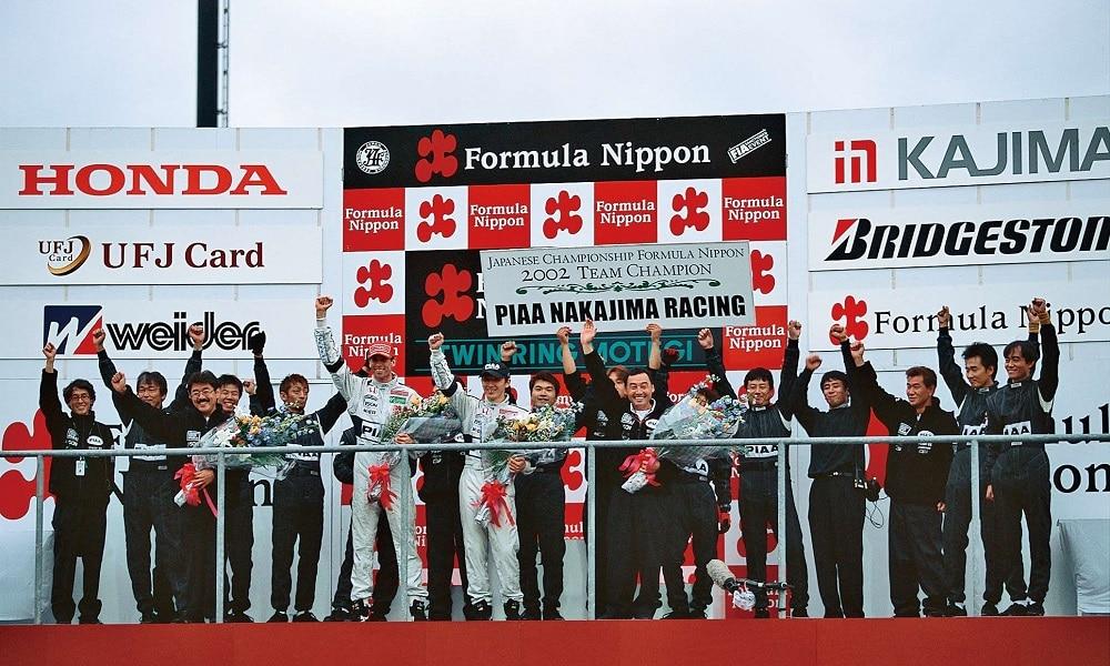 Nakajima Racing świętuje 2002