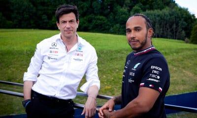 Wolff i Hamilton 2021 Mercedes kontrakt
