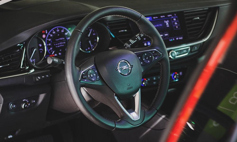 środek Opel Insignia Sports Tourer